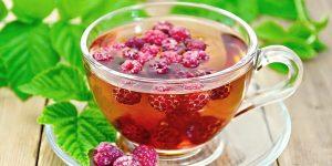 raspberry tea with fresh raspberry