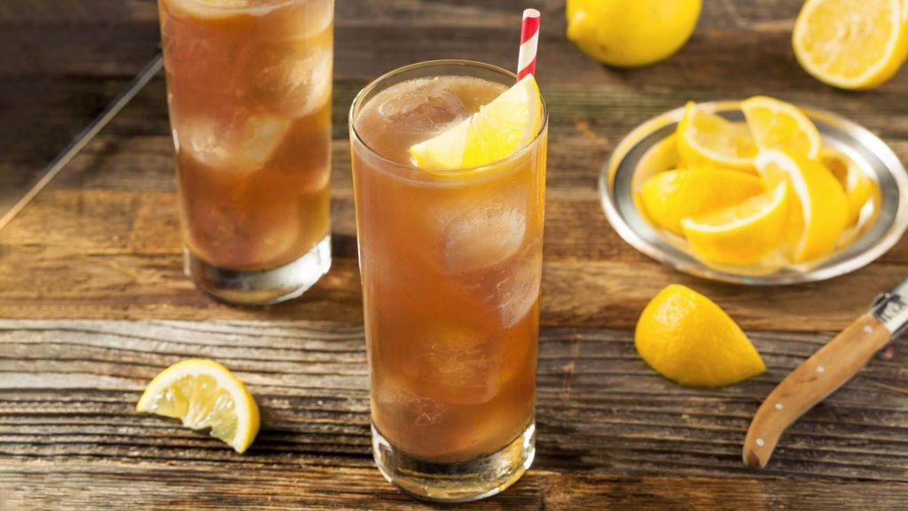 Two glasses of lemon tea
