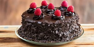 chocolate-cake-with-raspberry-filling