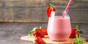 strawberries-creme-frappuccino-starbucks-copycat-recipe