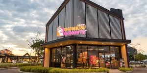 10 Best Coffee Drinks to Try at Dunkin Donuts